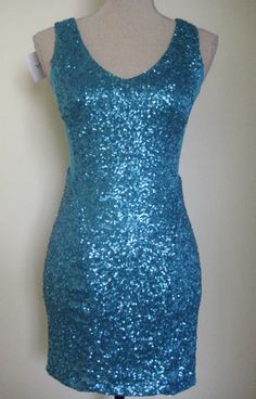 WILDFLOWER SIZE 8 DRESS SHORT BLUE SEQUIN BODY CON   NEW WITH TAGS