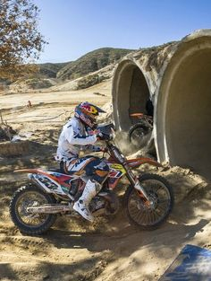 Into the tunnels at Day in the Dirt.