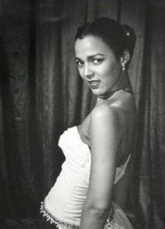 Dorothy was a beautiful woman but like all women she was not confident in her beauty, we saw what she never did and it is so powerful how our personal thinking can affect us. We can learn from Dorothy Dandridge :-) Old Hollywood Stars, Hollywood Glamour, Classic Hollywood, Hollywood Style, Dorothy Dandridge, Black Actresses, Actors & Actresses, Black Actors, Hollywood Actresses