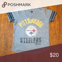 Women's Steelers Rhinestone Tee Great condition NFL Tops Tees - Short Sleeve