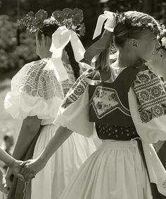 Podpoľanie, Slovakia Costumes Around The World, Folk Costume, Ethnic Fashion, Anton, Folklore, Traditional Outfits, Most Beautiful, Crown, Culture