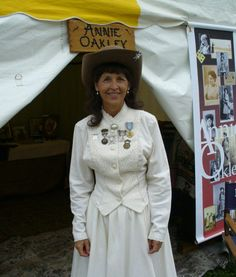 Annie Oakley Festival (Greenville, July) come and celebrate what life was like at the turn of the century. Ohio Festivals, Fairs And Festivals, Circleville Pumpkin Show, Twin Day, Annie Oakley, Food Festival, What Is Life About, Thing 1 Thing 2, Small Towns