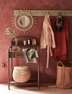 Hot Summer Terracota: Terracotta it's a warm, creamy, natural, rich, full-bodied color and it can complement many interior design styles. Decor, Colorful Interiors, Interior, Living Room Decor, House Styles, Interior Styling, Home Decor, House Interior, Home Deco