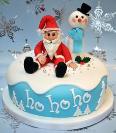 : This year, I am seriously contemplating making a Christmas cake, or at least, Christmas cookies. Christmas Cake Designs, Christmas Cake Decorations, Holiday Cakes, Christmas Cakes, Christmas Sweets, Santa Christmas, Funny Christmas, Winter Christmas, Cupcakes