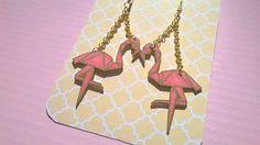 Boucles d'oreilles flamand rose origami : Boucles d'oreille par magalily