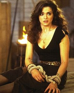 Evelyn O'Connell in The Mummy Returns. Just love this outfit!