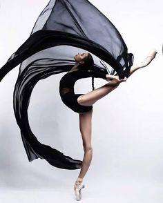 Vaganova Ballet Academy student Maria Khoreva photographed by Irina Yakovleva. Vaganova Ballet Academy student Maria Khoreva photographed by Irina Yakovleva. Dance Like No One Is Watching, Just Dance, Dance Aesthetic, Vaganova Ballet Academy, Dance Movement, Ballet Photography, Photography Music, Dance Poses, Ballet Beautiful