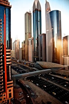 Uniforms in Dubai Dubai City, Dubai Uae, Sharjah, Abu Dhabi, Places To Travel, Places To See, Countries Of Asia, Dubai Tour, Visit Dubai