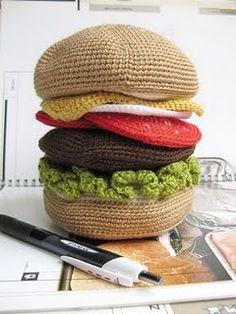 Hambúrguer de crochê - Coisas da Léia