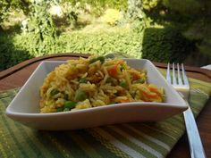 un primo piatto a base di risp basmati al curry