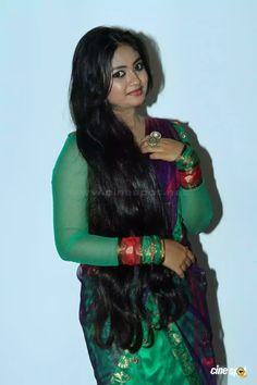 Beautiful Girl Indian, Beautiful Girl Image, Most Beautiful Indian Actress, Beautiful Long Hair, Loose Hairstyles, Indian Hairstyles, Beauty Full Girl, Beauty Women, Long Indian Hair