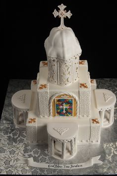 First Communion Cakes - I don't think that I've seen a more glorious First Communion cake. May God make them all holy saints!-I think I'll whip one of these up for Ella's First Communion.  Ha!