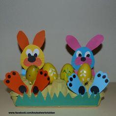 #Pasen eierdoos konijn of kip Easter Crafts, Jar, Toys, Crafts, Manualidades, Spring, Activity Toys, Toy, Jars