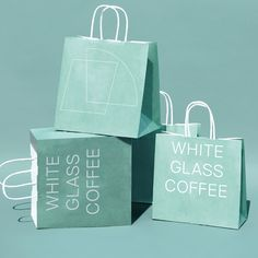 colorful shopping bag design and packaging. Shopping Bag Design, Paper Shopping Bag, Packaging Design Inspiration, Graphic Design Inspiration, Paper Bag Design, Royal Art, Bag Packaging, Coffee Packaging, Poster S