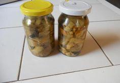 Zavařené houby ve sladkokyselém nálevu Pickles, Cucumber, Mason Jars, Food, Meal, Eten, Meals, Pickle, Cauliflowers