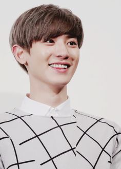 """when you smile, I smile :)"" Park Chanyeol Exo, Kyungsoo, Asian Boy Band, Happy Emotions, Akdong Musician, Exo Korean, When You Smile, Flower Boys, Chanbaek"