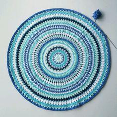 Inlägg om Patterns in danish skrivna av virrkpannan Maila, Mini Quilts, Doilies, Crochet Patterns, Outdoor Blanket, Ocean, Stitch, Instagram Posts, Inspiration