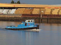 https://flic.kr/p/i1MXm1 | Tug boat on the river medway [shared]