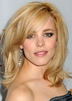 30 Best Hairstyles for Big Foreheads | herinterest.com - Part 3Canadian actress Rachel McAdams looks phenomenal with a sexy mid-length hairstyle that sports a side-swept fringe and lots of waves. The side swept fringe is sexy and mysterious, and it's also very flattering for her big forehead. We absolutely adore this volume-pumped hairstyle, and her summery light blonde hair color with its wheat blonde highlights and honey blonde low-lights.