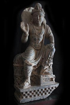 SITTING GANDHARAN BODHISATTVA | Gandhara