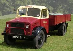 1944 Bedford in civillian BR period livery. This is basically an 'O' series lorry, in its war-years appearance.