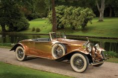 1930 Rolls-Royce Phantom II Open Tourer by Brockman. The copper-bodied Phantom II is reputed to be the only Rolls-Royce ever bodied in this unusual choice of metal. Auto Rolls Royce, Voiture Rolls Royce, Rolls Royce Phantom, Vintage Cars, Antique Cars, Automobile, Hispano Suiza, Convertible, Auto Retro