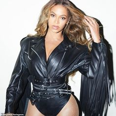 Beyonce posts scene-stealing looks On The Run II tour - Hell for leather! Beyonce took a walk down memory lane Wednesday as she shared an array of scene-st - Beyonce 2013, Rihanna, Beyonce Coachella, Beyonce Fans, Beyonce Knowles Carter, Beyonce Style, Beyonce Album, Little Mix, Beyonce Instagram