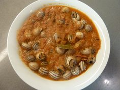 Caracoles con tomate