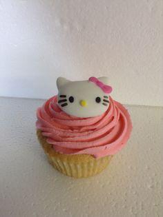 Hello Kitty Vanilla Cup Cakes