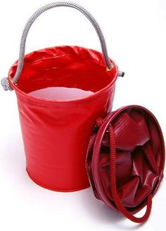 Tough-1 Collapsible Bucket | ChickSaddlery.com