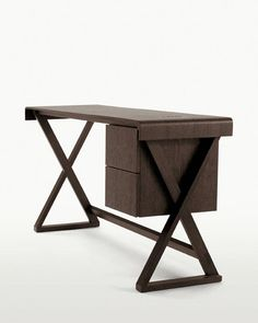 Writing desk Sidus -Maxalto - Design by Antonio Citterio