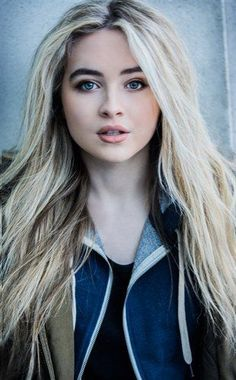 You can chat with beautiful girls or chat with Ometv to meet handsome men. Sabrina Carpenter Style, Girl Meets World, Disney Channel, Celebs, Celebrities, Woman Crush, Belle Photo, Taylor Swift, Makeup Looks
