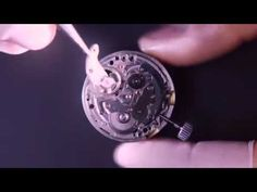 セイコー、時計のパーツ1200個でピタゴラ装置制作 一番小さいパーツは0.7mm - YouTube
