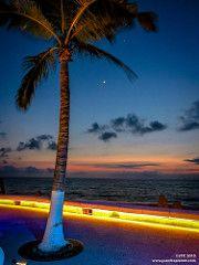 Malecon Lights (Juanfraplanet) Tags: moon mexico puerto jalisco luna vallarta