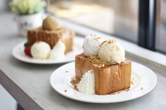 If you are clueless about what a Shibuya Toast is, it is basically just a sweeter version of a French toast with a plethora of colourful toppings. Originating