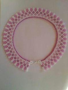 נ Beaded Necklace Patterns, Seed Bead Patterns, Crochet Earrings, Beaded Collar, Seed Bead Jewelry, Handmade Beads, Beading Tutorials, Bead Weaving, Fashion Necklace