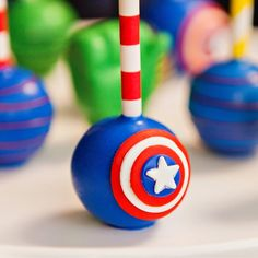 "Amazing ""Calling All Superheroes"" Birthday Party Cakepops! - Visit to grab an amazing super hero shirt now on sale! Superhero Cake Pops, Superhero Treats, Avengers Birthday Cakes, Superhero Birthday Cake, Superhero Party, 4th Birthday, Birthday Ideas, Captain America Party, Captain America Birthday"