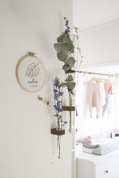 Thuis in het huis van Talita vol lokaal en duurzaam design Simple Flowers, Dried Flowers, Love Home, House On Wheels, Home Decor Inspiration, Kids Room, Sweet Home, New Homes, Diy Crafts