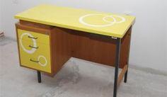Otroška miza rumena rokodelstvoinprenova.com