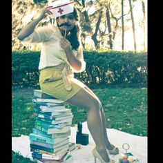 @Mary Hatley we should do this on graduation day with all of our books and these props, soo cute!