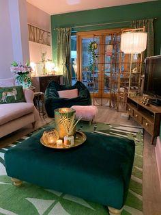 Living Room Green, Home Living Room, Living Room Designs, Dream Home Design, Home Interior Design, House Design, Design Interiors, Casas Shabby Chic, Home Decor Inspiration