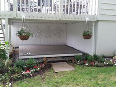 Great Photo My Pooch Porch Under the deck! Creative solution for what to do under a deck. Ideas The utilization of a dog kennel has long been an important level of contention in the dog's attitu Under Deck Landscaping, Patio Under Decks, Home Landscaping, Diy Porch, Diy Deck, Backyard Dog Area, Outdoor Dog Area, Dog Spaces, House With Porch
