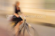 #woman #biclycle #moving Francesco Vieri ph.