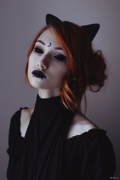 halloween, costumes, costume make-up, contacts Dark Beauty, Goth Beauty, Dark Fashion, Gothic Fashion, Grunge Punk Fashion, Emo, Sublime Creature, Goth Makeup, Makeup Art