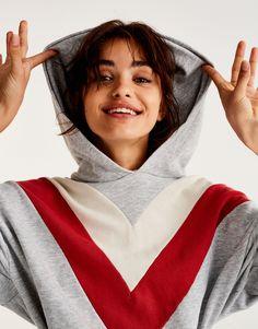 Felpa pannelli con cappuccio - Felpe - Abbigliamento - Donna - PULL&BEAR Italia