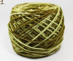 Lana de Oveja 4 Hebras Wicker Baskets, Home Decor, Crochet Stitches, Strands, Colour Chart, Wool Yarn, Yarns, Rugs, Objects
