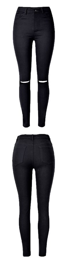 Everyone should have some super basics. Black jeans must not be missed. Rip design make the jeans more flexible ans less constrained.