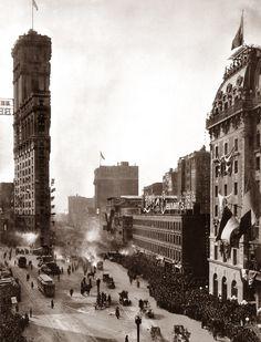 Start of the New York-to-Paris Auto Race - 1908 - Era - Photos