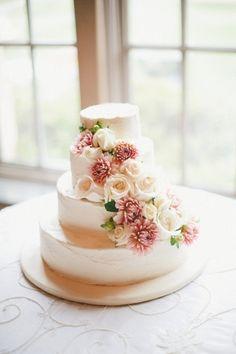 ウエディングケーキ 花