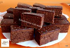 Érdekel a receptje? Winter Food, Cake Decorating, Sweet Treats, Gem, Dessert Recipes, Easy Meals, Muffins, Cooking Recipes, Sweets